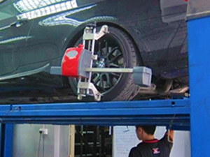 wheel-alignment-car-servicing